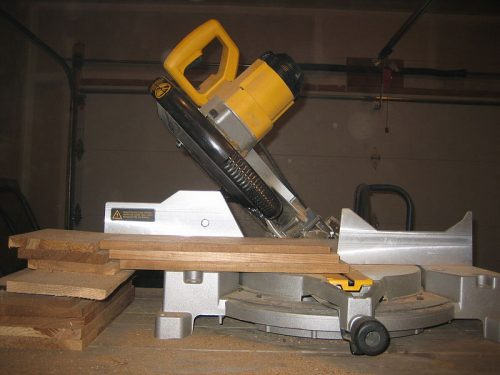 miter saw at 45 degree angle